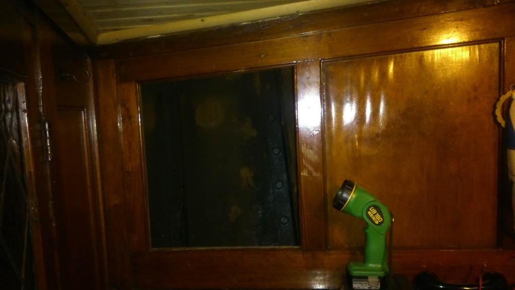 houtwerk vooronder stoomsleepboot -Maarten 3