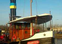 zonne- regentent stoomboot Maarten