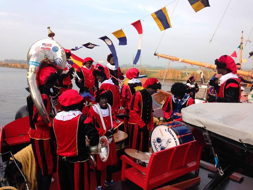 Intocht Sinterklaas 2016 Stoomsleepboot Maarten